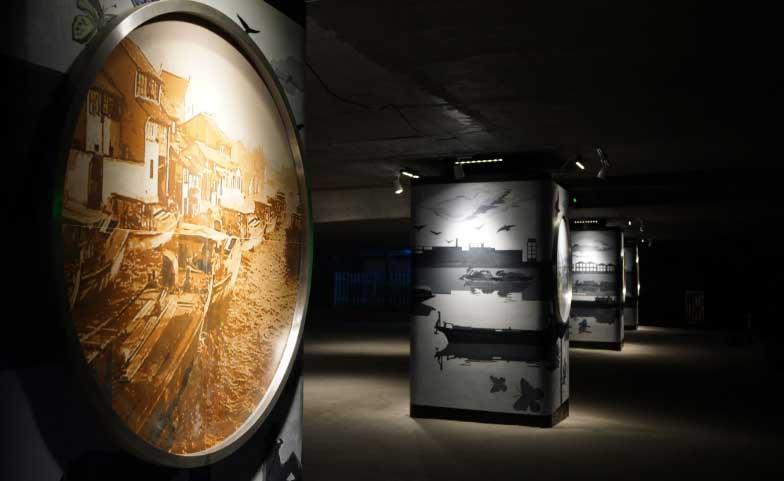 6-运河影像展中的以诺贝尔瓷砖为素材特别定制的壁画.jpg